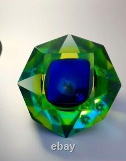 Rare Uranium Fish Murano Mid-Century Faceted Mandruzzato Sommerso Bowl Ashtray