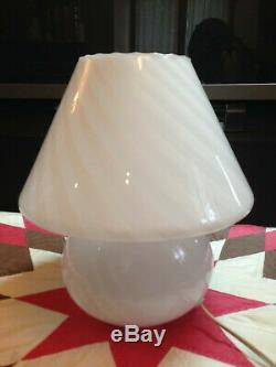 Belle Moderne Des Années 1980 Vetri Swirl Lait En Verre De Murano Lampe Champignon 11 Art Italien