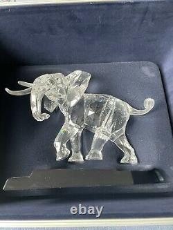 Swarovski Crystal Grand Éléphant Signé Dans Case Retraité 2006 Edition Limitée